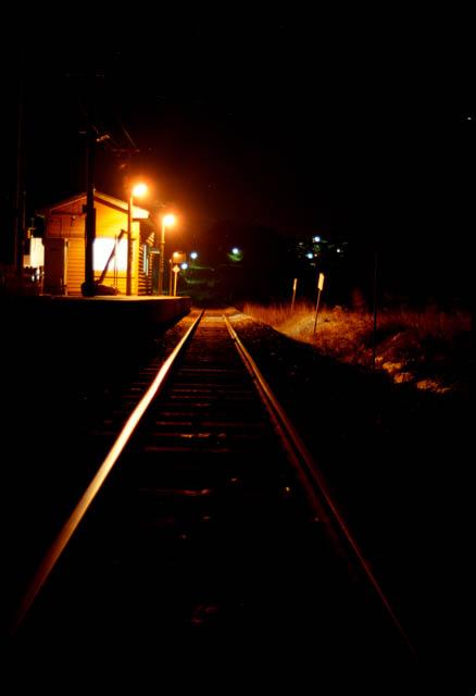 驫木駅から深浦方を望む