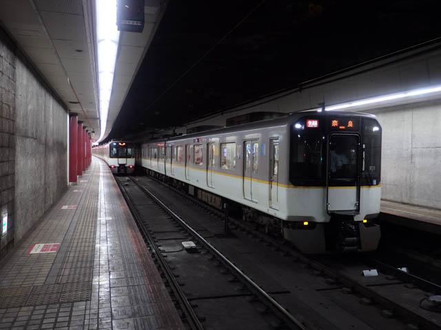 阪神の車両が乗り入れる大阪上本町の難波線地下ホーム ~2015年9月~