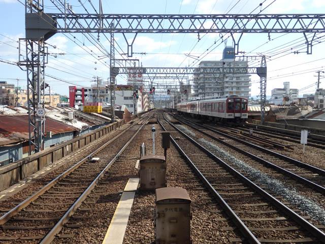 鶴橋~布施間は、頻繁に列車が行き交う複々線区間である ~2015年10月~