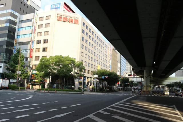 大阪難波の駅ビルを眺めつつ「ちゃり鉄1号」は出発