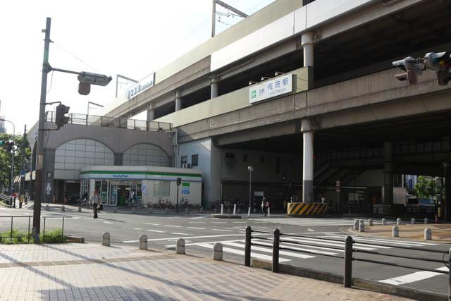 商業施設が多く集まっている布施駅北口