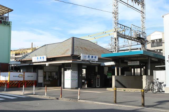 長瀬駅の駅舎