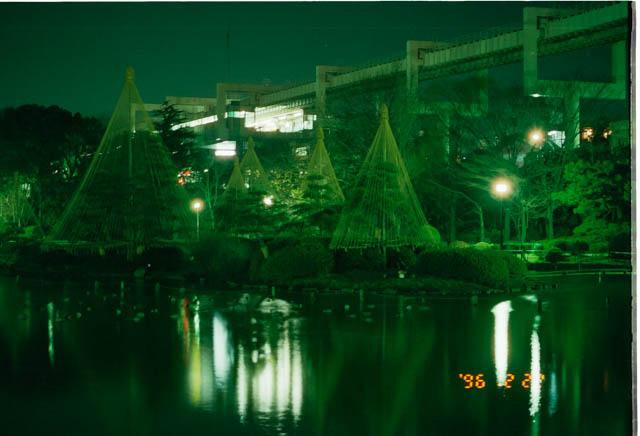 2泊目は千葉公園にて 酔っ払いがテントの周りで騒いでいた