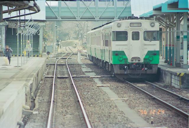 三陸海岸の鉄道路線を、青森に向けて北上する ~JR気仙沼線・気仙沼駅~