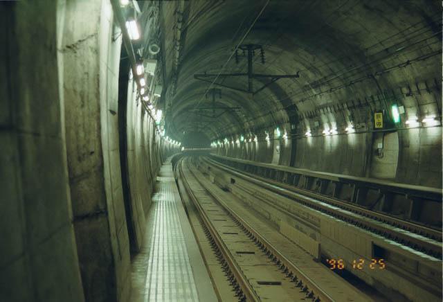 青函トンネル内にあった吉岡海底駅に途中下車