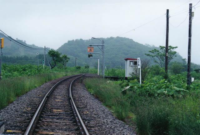「中問寒糠南線踏切」から眺めた糠南駅