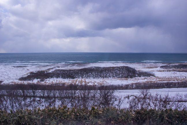 14年ぶりの宗谷本線で真冬の利尻水道を望む。抜海駅~南稚内駅間