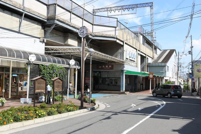 開業当初は終着駅だった恩智駅