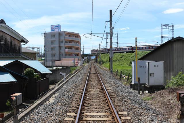 近鉄下田駅~五位堂駅間でJR和歌山線をオーバークロスする近鉄大阪線