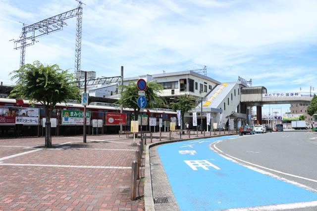橋上駅舎の五位堂駅