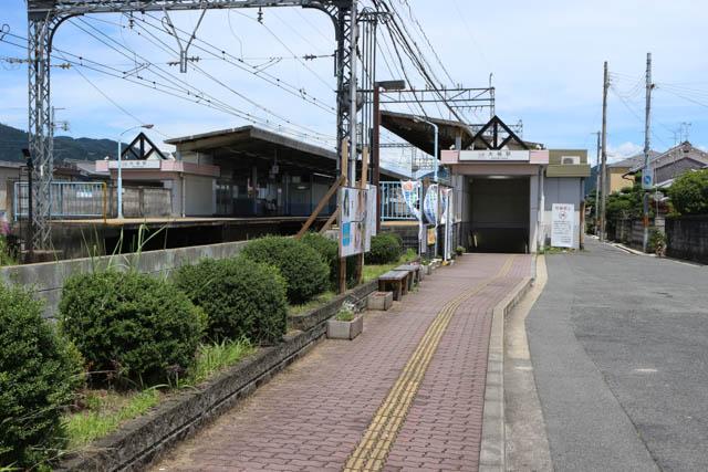 相対式2面2線の標準的なローカル駅である大福駅
