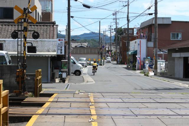 耳成第7号踏切から南には、JR桜井線の大福踏切が見える