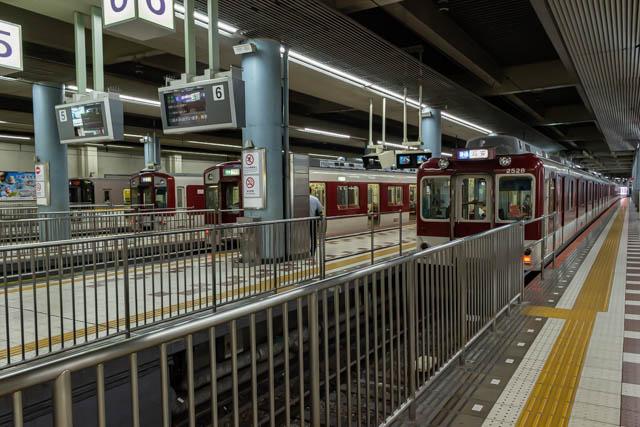 頭端式ホームが今も旅情をくすぐる大阪上本町の大阪線地上ホーム ~2020年6月~