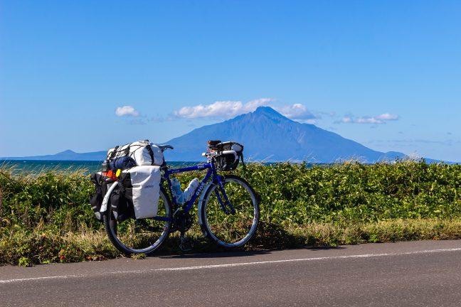 オロロンラインを北上したこの日は、一日、利尻島を眺めながらの最高の旅となった