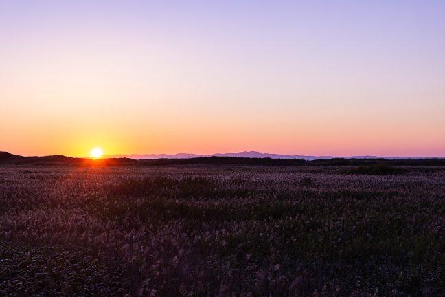 礼文島の知床付近に日が沈んでいく