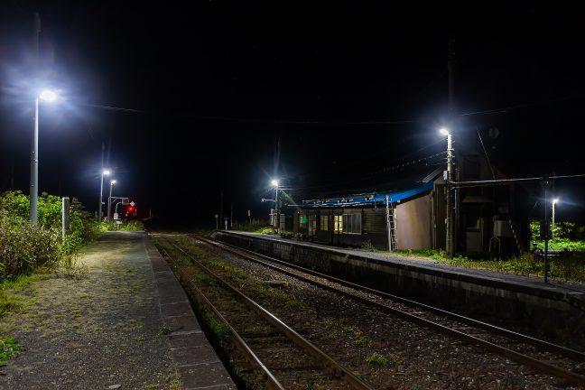 18時前というのに早くも森閑とした雰囲気の抜海駅