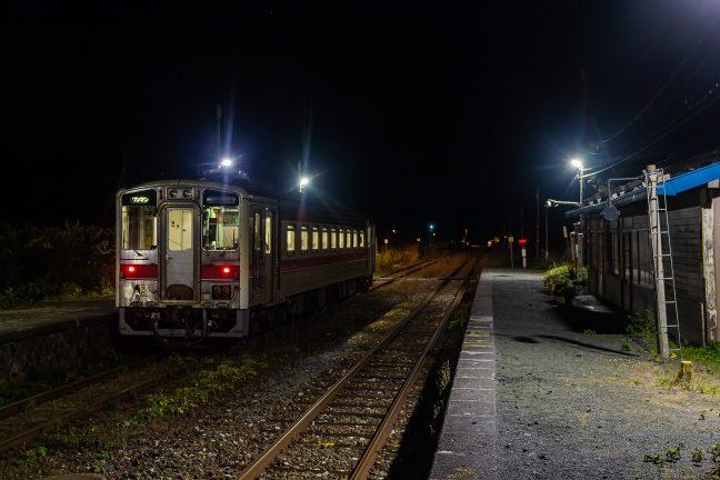幌延行きの普通列車を見送ると、駅は眠りにつく