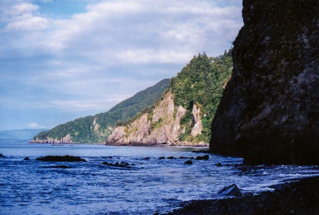 小幌駅から下りた海辺の文太郎浜