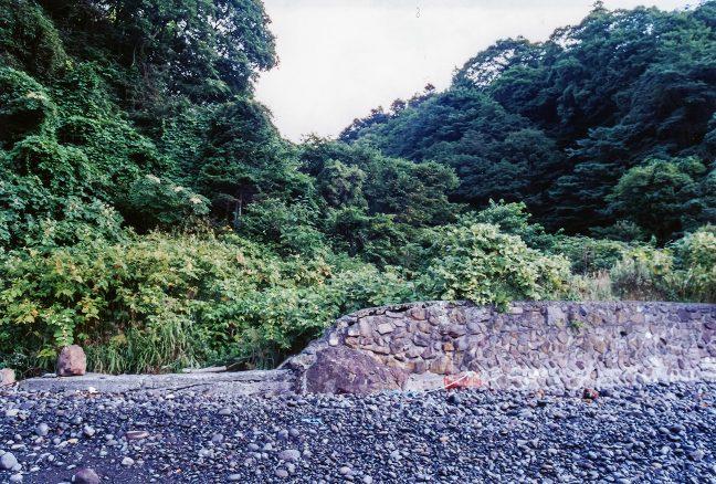 かつては、人が住んでいたと言う文太郎浜から小幌駅方面を望む
