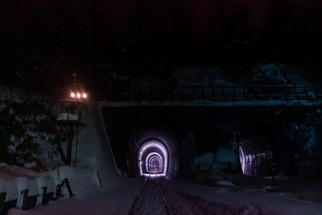 函館方の幌内トンネルを間近に眺める