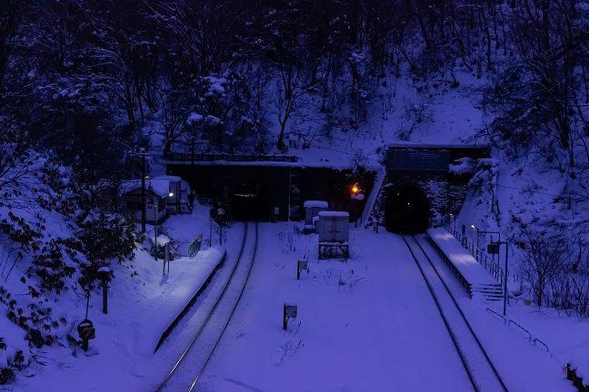 明けゆく小幌駅の表情は刻一刻と変わっていく