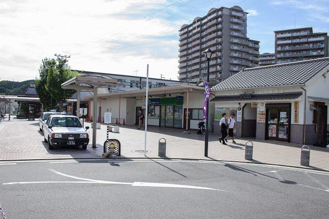 近代的な榛原駅前