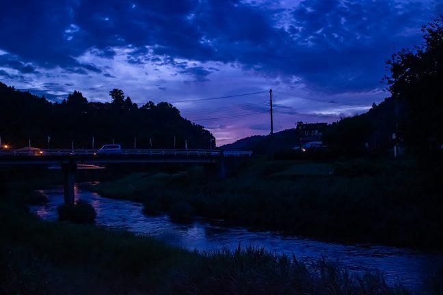 夜明け前の黎明の中で3日目が始まった