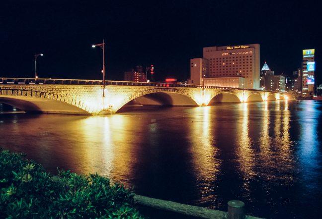 信濃川・万代橋(新潟県:1996年12月)