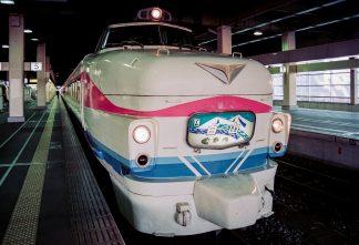 JR北陸本線・金沢駅・特急「白山」(石川県:1996年12月)