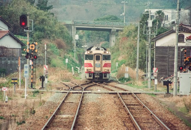 JR山陰本線・西浜田駅・特急「おき」(島根県:1996年12月)