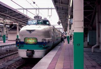 JR白新線・新潟駅・特急「いなほ」(新潟県:1998年2月)