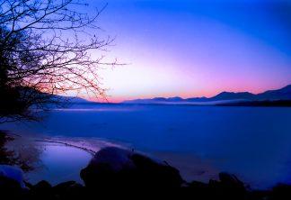 和琴温泉から望む屈斜路湖の黎明(北海道:1998年2月)