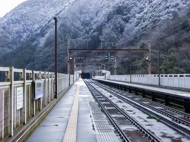 保津峡駅から京都駅方を眺める