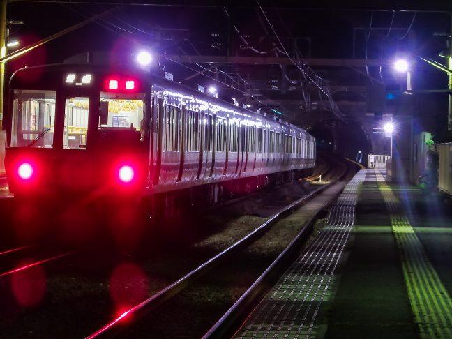 21時過ぎの園部行き普通列車からは誰も降りてこなかった