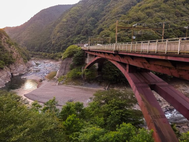 JR山陰本線・保津峡駅(京都府:2015年8月)