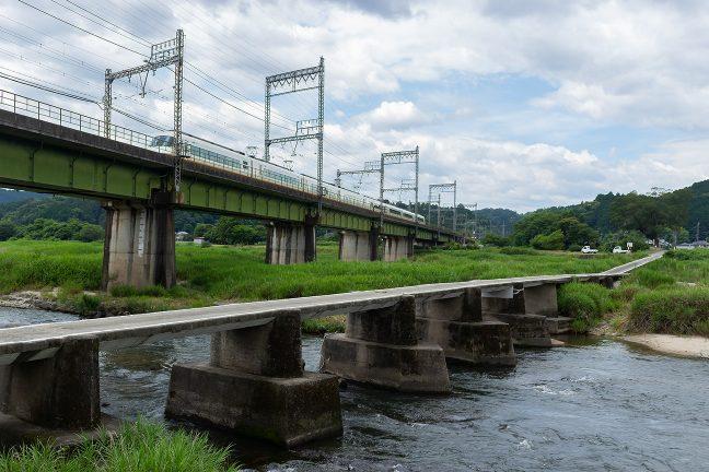 雲出川の橋梁をアーバライナーが駆け抜けていった