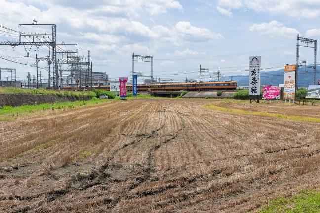 大阪線を出発していく特急
