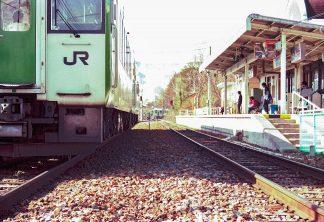 JR小海線・野辺山駅(長野県:1998年4月)
