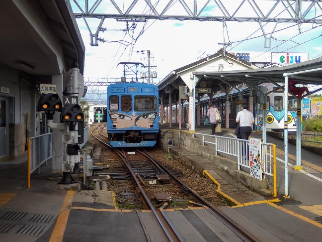 伊賀鉄道の拠点駅である上野市駅