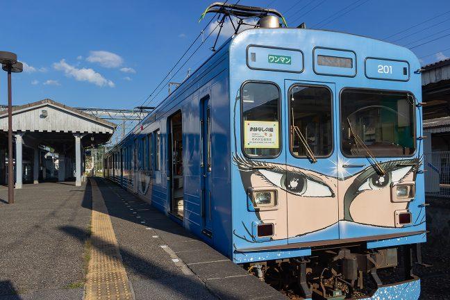 伊賀神戸駅からは、伊賀鉄道に乗車して乗り鉄の旅を楽しむ