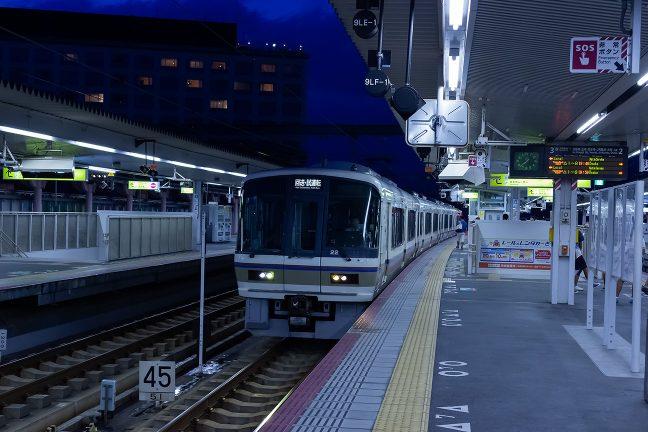 近代的な高架駅となって奈良駅の雰囲気も変わった