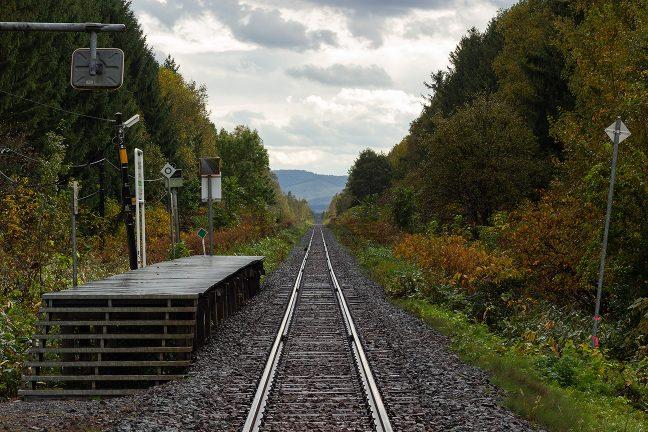 この駅の四季や夜の姿を見てみたかったと思う
