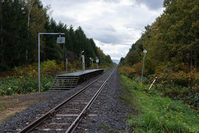 晩秋の北剣淵駅は、訪れるものも居らず、静かな旅情駅の佇まいだった