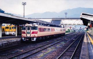 JR山陰本線・長門市駅(山口県:2000年8月)