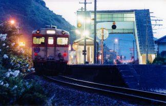 JR山陰本線・折居駅(島根県:2000年8月)