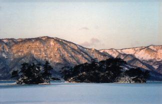 十和田湖畔・休屋集落(青森県:2001年1月)