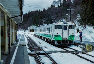 JR只見線・会津宮下駅(福島県:2001年1月)