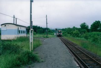 JR宗谷本線・上幌延駅(廃駅)(北海道:2001年6月)