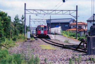 JR富山港線・岩瀬浜駅(富山県:2001年8月)