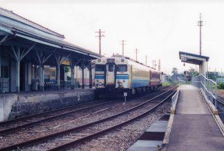 JR城端線・城端駅(富山県:2001年8月)